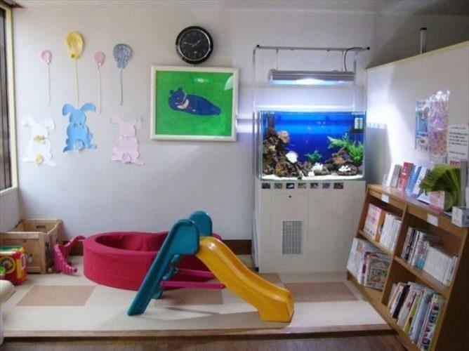 東京都世田谷区 小児科医院様  90cm海水魚水槽  設置事例 メイン画像