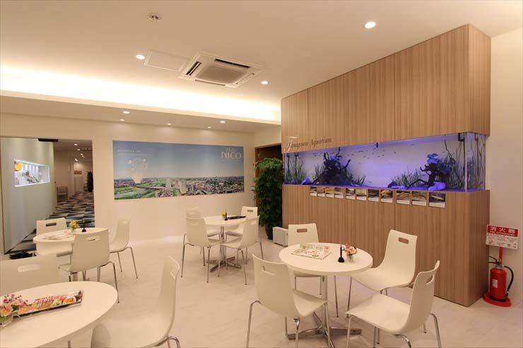 モデルルーム  300cm川魚水槽  設置事例 メイン画像