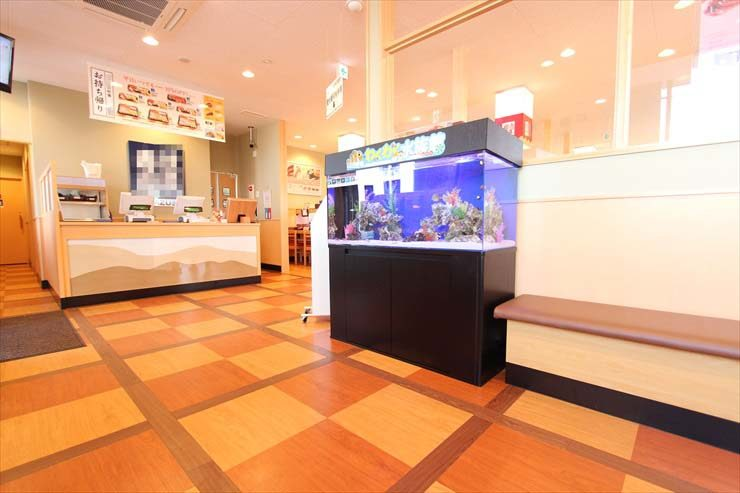 千葉県木更津市 飲食店様  120cm海水魚水槽  設置事例 メイン画像