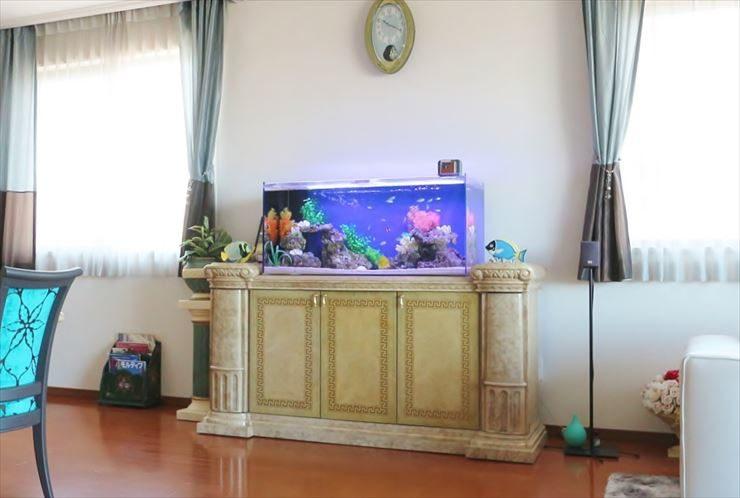 個人宅 リビング 110cm海水魚水槽 設置事例 メイン画像