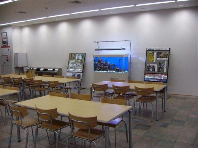 東京都豊島区 大正大学様  120cm海水魚水槽  設置事例 メイン画像