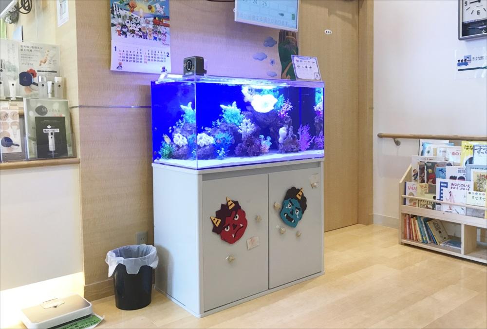 クリニック 待合室 90cm海水魚水槽 キャビネット画像
