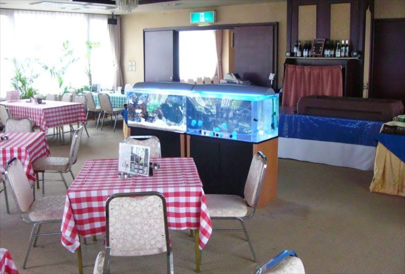 ホテルパインヒル様に海水魚水槽・クラゲ水槽を設置 水槽画像1