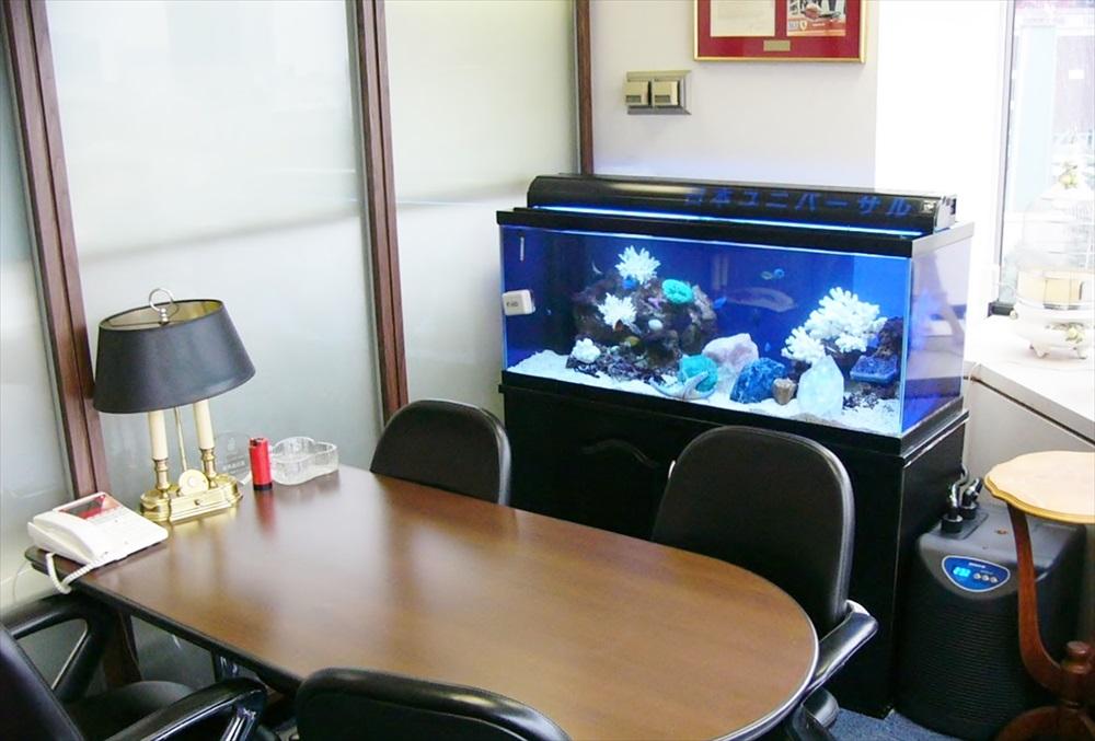 法律事務所様に90cm海水魚水槽を設置しました メイン画像